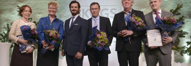 Prisutdelning under högtidliga former. Pristagarna får ta emot sina utmärkelser från H.K.H Prins Carl Philip. Foto: Johan Ardefors